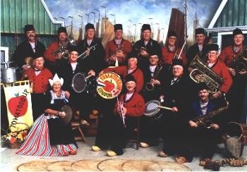 A Dutch Heritage Band.jpg - 38377 Bytes
